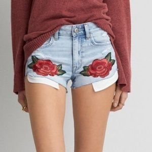 NWOT AEO Hi-Rise Shortie Rose Embroidered Shorts
